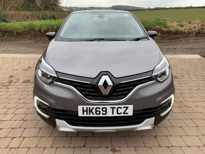 View RENAULT CAPTUR GT-LINE MEDIA NAV R-LINK 0.9TCe 90BHP LEATHER TRIM REAR DAMAGE NOW FULLY REPAIRED RECORDED CAT S