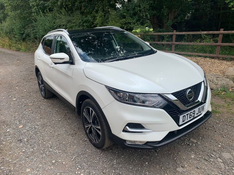 View NISSAN QASHQAI N-CONNECTA 1.3DIG-T 140 PAN ROOF TYRE BLOW OUT NOW FULLY REPAIRED CAT S **DEPOSIT TAKEN**