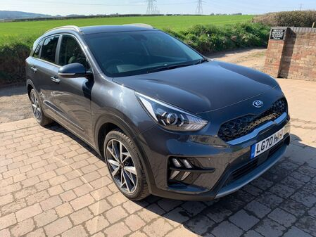KIA NIRO MODEL 3 HYBRID ELECTRIC AUTOMATIC 1.6 CAT S **CURRENTLY BEING REPAIRED**  DEPOSIT TAKEN